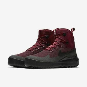 New Nike Mens Air Wild Mid Boots Size 10 Dark T